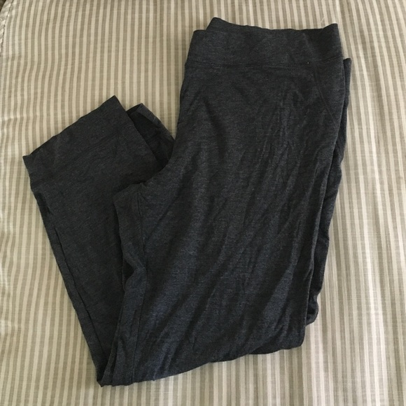 GAP Pants - Gap Body Lightweight Lounge Capris ~ L